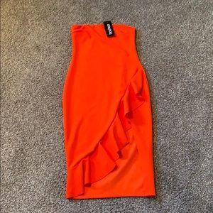 NWT Red/Orange Boohoo Strapless Dress